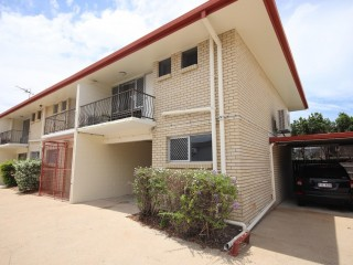 View profile: Spacious Townhouse Close To Golf Course