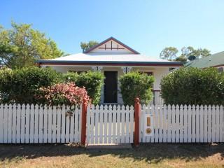 View profile: Lovely presented Cottage in Kirwan