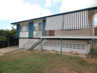View profile: LARGE FENCED YARD - CHICKEN COOP - CLOSE TO NORTHERN BEACHES