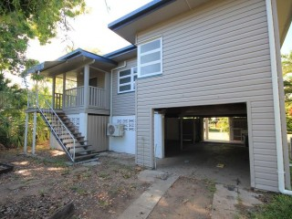 View profile: Renovated Fresh Highset – Central Location